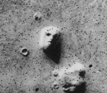 火星の人面岩写真01